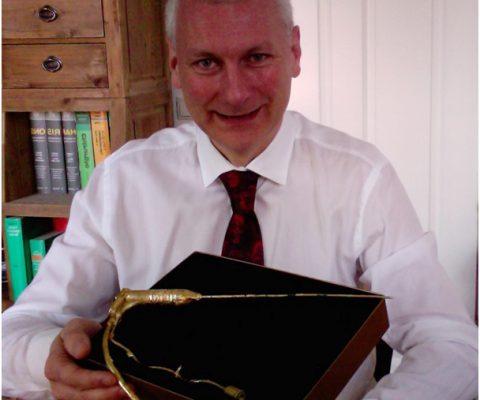 Verleihung der goldenen Mikrowellennadel der Universität des Saarlandes an PD Dr. Eisele